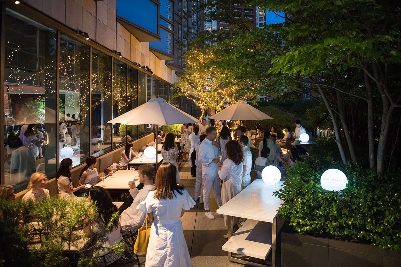 Soirée Blanche - French Moroccan Night: All White Summer Party