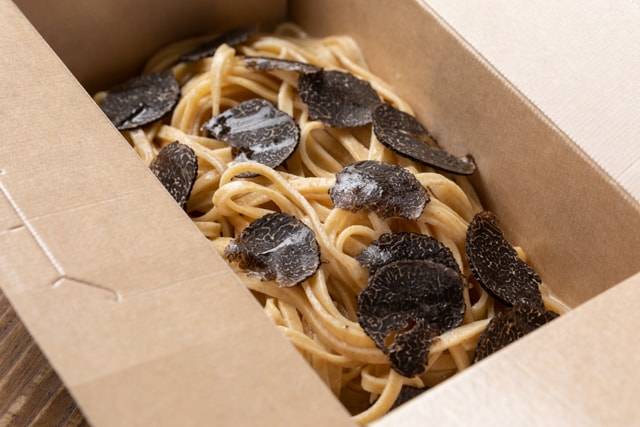 Fresh truffle tagliolini take out 640