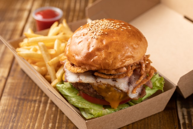 The Oak Door Burger take out 640