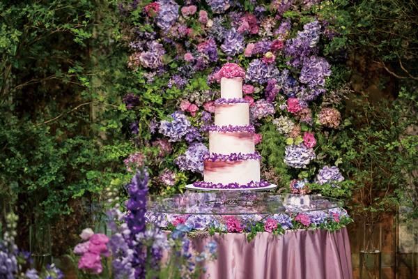 グランドハイアット東京のウエディングスタイル「ROMANCE」ウエディングケーキ